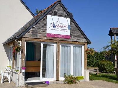 Accommodation for groups in normandy manche tourisme for Chaise baudouin