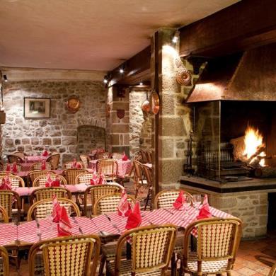 le-mont-saint-michel-restaurant-auberge-saint-pierre-2