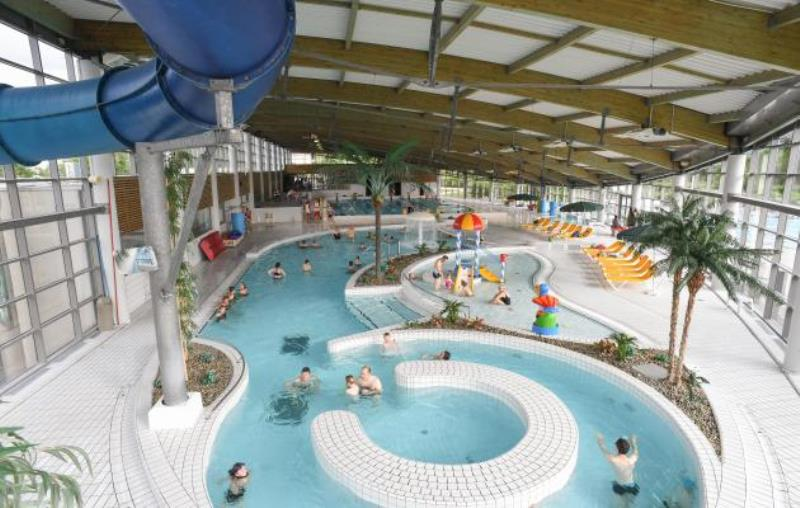 Centre aquatique saint l agglo manche tourisme for Piscine du lac tours